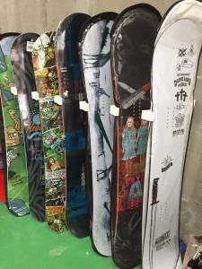 SNOWBOARD SALE商品在庫ありますよ〜〜〜!!