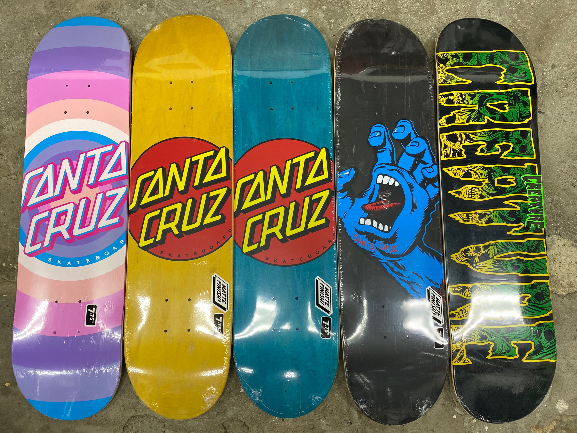 スケートアイテム SANTACRUZ、CREATURE入荷しました!!
